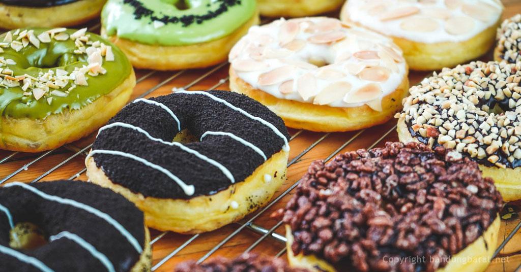 Sanders Milk Donuts