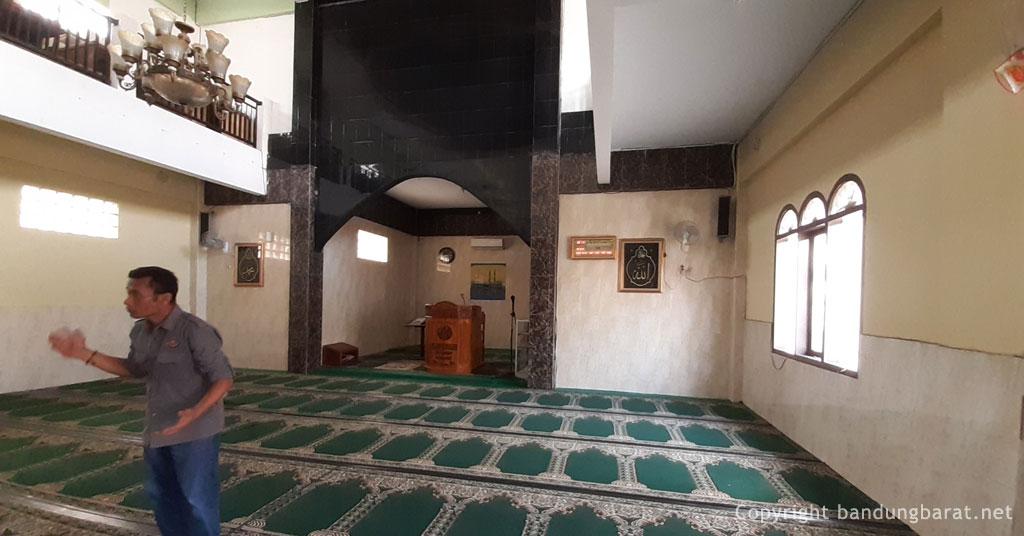 Dalam Ruangan Mesjid