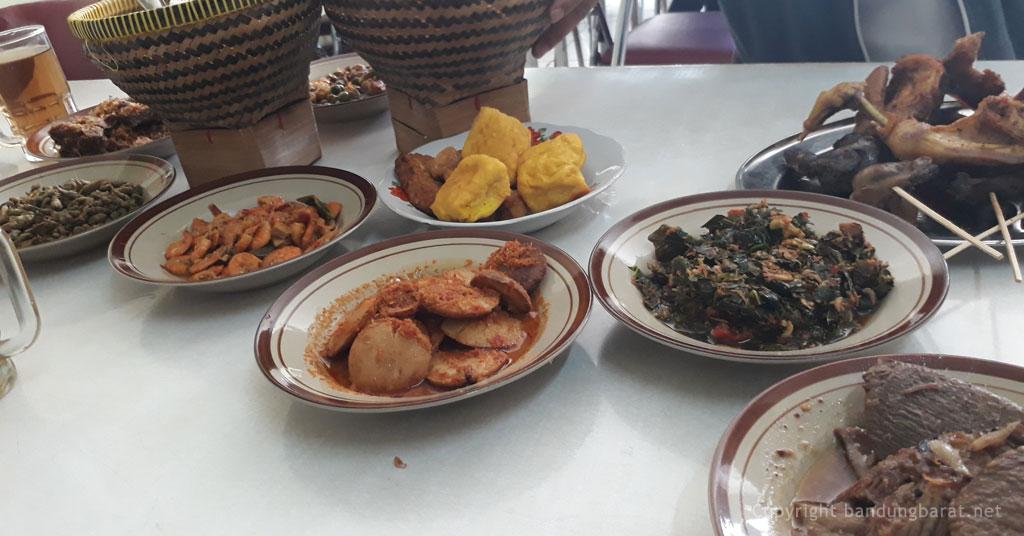 Sajian Rumah Makan Sunda Marantina